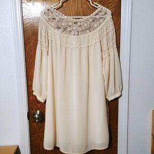 Forever 21 Boho crochet neck flowy shift dress